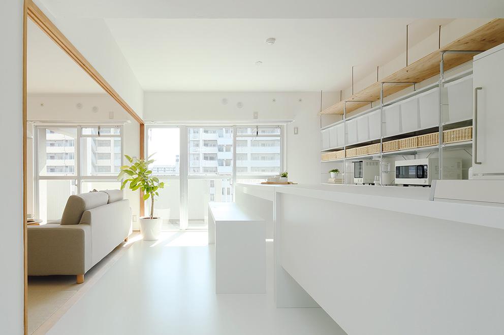 光と風にあふれるキッチン
